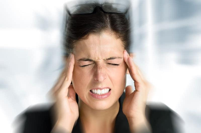 Прекомерният стрес води до мигрена