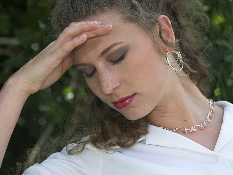 Как се появява мигрената – научни теории за произхода ѝ